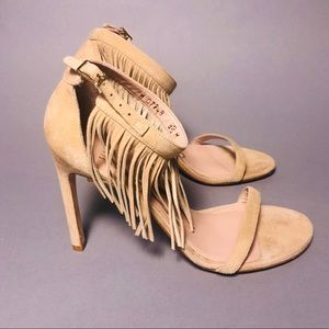 Authentic Stuart Weitzman Nude Fringes Sandals